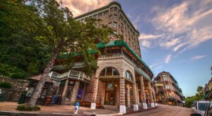 The Historic Basin Park Hotel In Arkansas Is Notoriously Haunted And We Dare You To Spend The Night