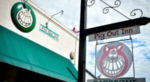 The Pig Out Inn Is A Mouthwatering Mississippi Restaurant With Some Of The Best BBQ In The State
