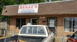A Tiny Hole-In-The-Wall, Bully's Restaurant In Mississippi Is Known Nationwide For Its Down-Home Soul Food