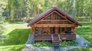 Pack Up The Family For A Weekend Getaway To This Modern Alaskan Log Cabin