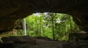 This 4-Mile Trail In Kentucky Leads To A Stunning Waterfall And Grotto