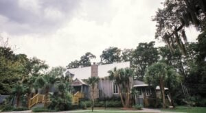 Immerse Yourself In Enchanting Emeralds And Bayou Views At Palmettos On The Bayou In Louisiana