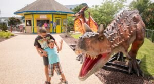 There's A Dinosaur-Themed Mini Golf Course In Delaware Called Nick's Dinoland