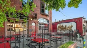 This Popular Washington Restaurant & Brewery Is Located In A Century-Old Firehouse