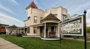 Built In 1867, This Dreamy Historic Hotel In Kansas Is Something To Marvel Over