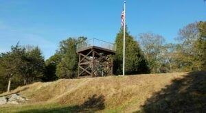 This 2.4 Mile Trail In Rhode Island Leads To A Historic Fort