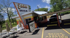 These 7 Drive-In Restaurants Around Detroit Are Fun For An Old Fashioned Night Out