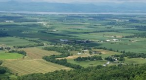 Take A Hike On This One-Of-A-Kind Trail In Vermont To See Spectular Views And Birdwatch Too