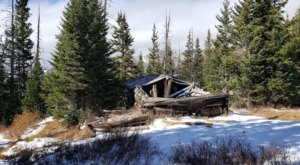 Miner's Cabin Trail Is A Quiet, Scenic Hike In Wyoming That Leads To A Secret Homestead