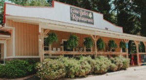 Gina Belle's Restaurant In Georgia Has From-Scratch Cakes And Country Home-Cooking