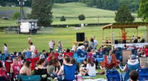 Nothing Is More Tennessee Than The Full Moon Pickin' Party, An Outdoor Bluegrass Concert Held Every Month