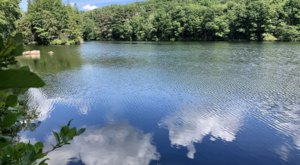 See A Pretty Lake And A Mysterious Boulder Formation On This New Jersey Hike