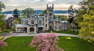 This Beautiful Gothic Castle In New York Looks Straight Out Of A Fairy Tale