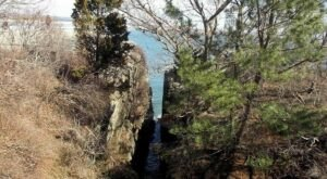 Explore A Natural Wonder On This Short Hike In Rhode Island
