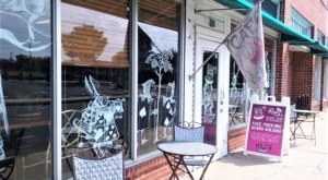 Mad Hatter Cafe Is A Dreamy Alice In Wonderland Themed Restaurant In Maryland