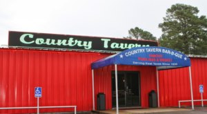Hiding In The Woods Of East Texas, Country Tavern BBQ Has Been Serving Up Finger-Lickin' Good Food Since 1939