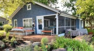 This Quaint Waterfront Cottage On The Banks Chesapeake Bay In Maryland Is Full Of Charm