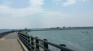 The Boston Harbor And Castle Island Loop In Massachusetts Takes You From The Beach To A Fort And Back