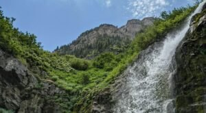 This 2.5-Mile Trail In Utah Leads To Two Waterfalls And Moss-Covered Cliffs