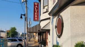 Walter's Is An Old-School Steakhouse In Delaware That Hasn't Changed In Decades