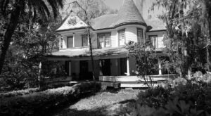 The Historic Daffodale House In Florida Is Notoriously Haunted And We Dare You To Spend The Night