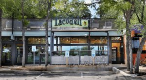 This Beautiful Barton Creek Greenbelt In Texas Has A Mouthwatering Restaurant Right Near The Trail