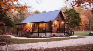 An Overnight Stay At This Secluded Cabin In Missouri Costs Less Than $140 A Night And Will Take You Back In Time