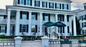 The Historic Equinox In Vermont Is Notoriously Haunted And We Dare You To Spend The Night