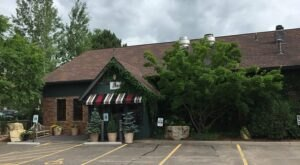 Enjoy A Fabulous Family-Style Brunch At Ike's, A Delicious Restaurant In Minnetonka, Minnesota