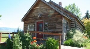 You Can Tour A One-Room Schoolhouse From 1912 At This Unique Montana Museum