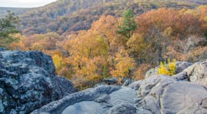 Fall Is The Perfect Time To Visit This Historic Mountain Town In Missouri