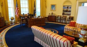 You Can Visit An Exact Replica Of The White House's Oval Office Right Here In Arkansas