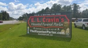 The E.L. Cravin's Funeral Home In Georgia Is Now A Haunted House