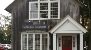 There's A Chocolate Bar In Connecticut And It's Just As Heavenly As It Sounds