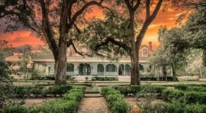 The Historic Myrtle Plantation In Louisiana Is Notoriously Haunted And We Dare You To Spend The Night