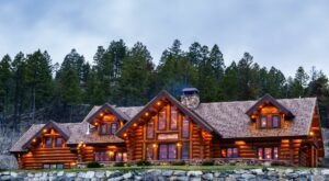 Curl Up In A Cozy Suite This Season At Coyote Bluff Estate In Montana