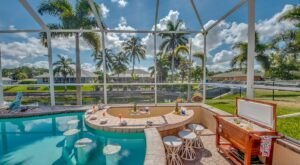This Tropical Airbnb In Florida Comes With Its Own Swim-Up Bar
