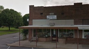 Visit Charlotte's Eats And Sweets In Small Town Arkansas For Some Of The Best Pies In The State