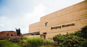 Discover Countless Secrets Of Indiana's Native American Past At The Eiteljorg Museum