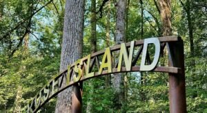 A Mysterious Woodland Trail In Indiana Will Take You To The Original Rose Island Ruins