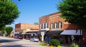 The Tiny Town Of Landrum In South Carolina Has A Little Bit Of Everything