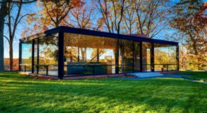 The Glass House In Connecticut Is Perfect For Your Next Outing