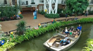Take A Ride On This One-Of-A-Kind Canal Boat In Tennessee