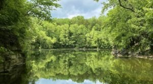A Mysterious Woodland Trail Near Nashville Will Take You To A Hidden Lake