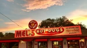 This Retro-Florida Hot Dog Shop Serves Up Delicious, Traditional Food