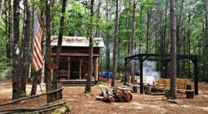An Overnight Stay At This Secluded Cabin In Alabama Costs Less Than $100 A Night And Will Take You Back In Time