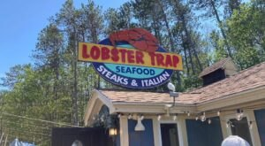 This Colorful New Hampshire Lobster Shack Should Satisfy Every Seafood Craving You Have