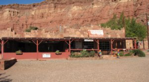 Cliff Dwellers Restaurant Is A Middle-Of-Nowhere Arizona Eatery With Awe-Inspiring Grand Canyon Views