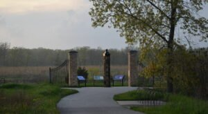 The Fort Sheridan Loop Trail In Illinois Takes You From A Cemetery To The Beach And Back