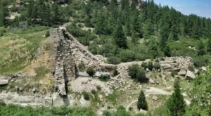 A Hidden Trail In Colorado Will Take You To The Original Castlewood Canyon Ruins